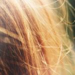 ヘアカラーは、髪が傷むの?